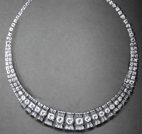 Collier mit Diamanten