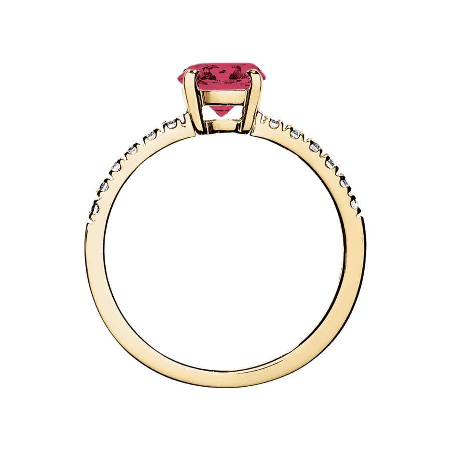 Melbourne Ruby red in Yellow Gold