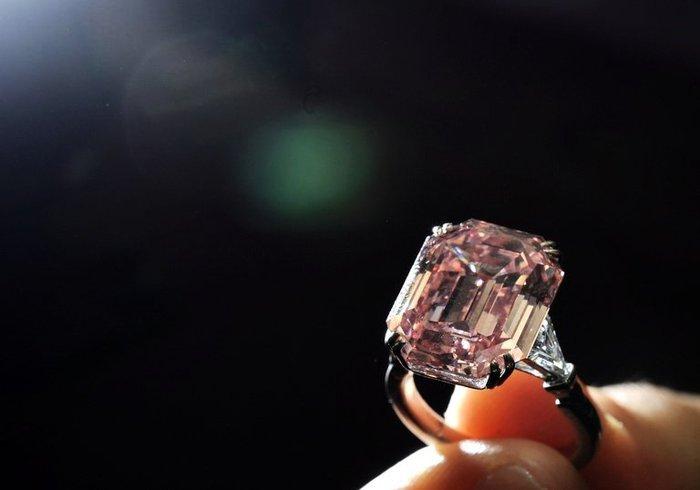 fancy diamonds ren sim blog ren sim blog. Black Bedroom Furniture Sets. Home Design Ideas
