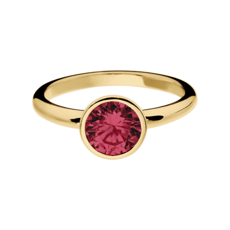 Vienna Ruby red in Yellow Gold